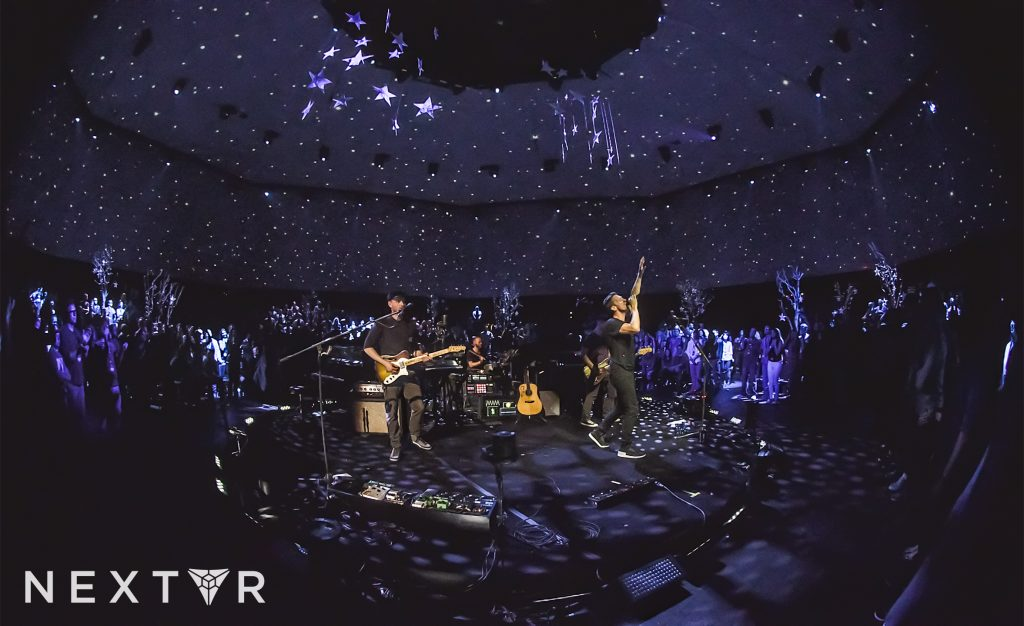 VR to music fans - coldplay-virtual-reality-concert-oculus-rift-nextvr-3